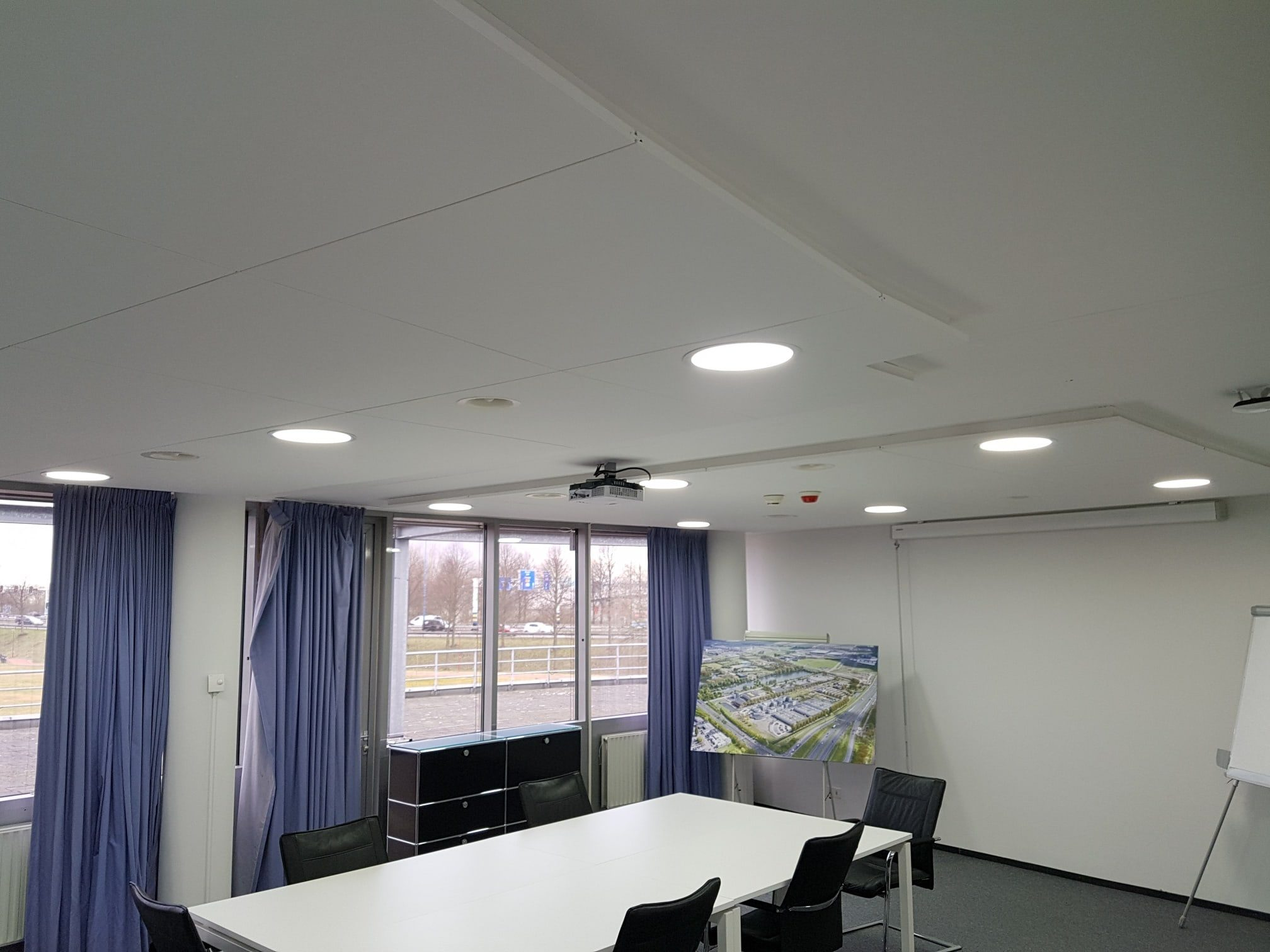 Led downlight vergaderruimte